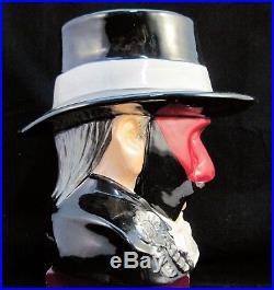 Royal Doulton Character Jug The Phantom Of The Opera D7017